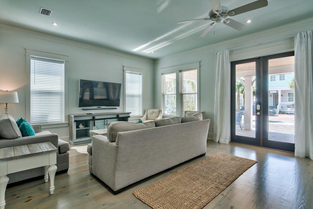 anchorsaway_livingroom-min